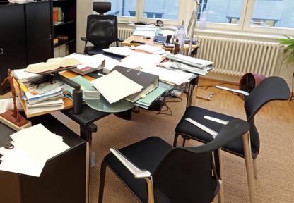 ordnung auf dem schreibtisch eine utopie new management concept more than learning. Black Bedroom Furniture Sets. Home Design Ideas